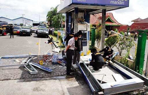 Bomba cajero Indonesia