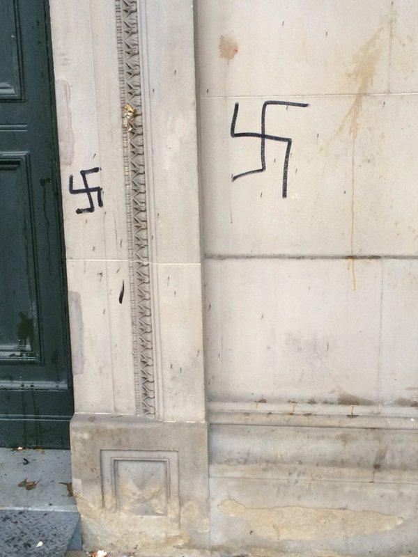 swastikas-2